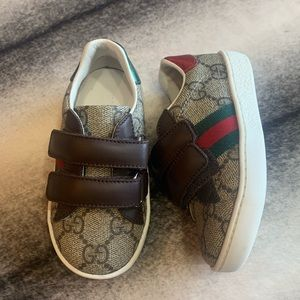 { Gucci } GG Logo New Ace VL Sneakers